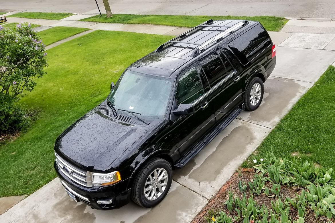 02-<a href=https://autousedengines.com/used-ford-engines>ford</a>-expedition-el-2017-angle--black--exterior--front.jpg