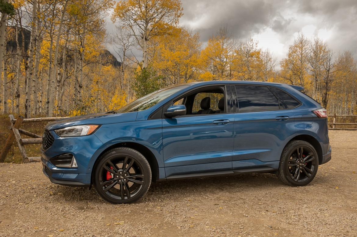 02-<a href=https://www.sharperedgeengines.com/used-ford-engines>ford</a>-edge-st-2019-blue--exterior--front--profile.jpg