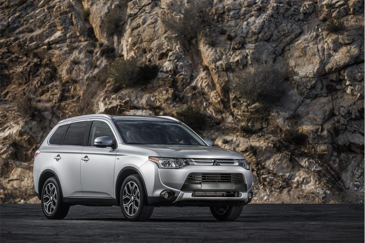 Top 10 Best Compact Suvs For Towing News And That Come Equipped From The Factory With A Trailer Hitch 2015 Outlander 6