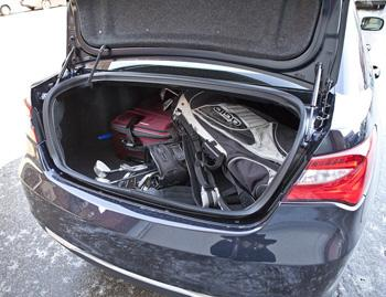 2011 Chrysler 200 - Our Review | Cars.com