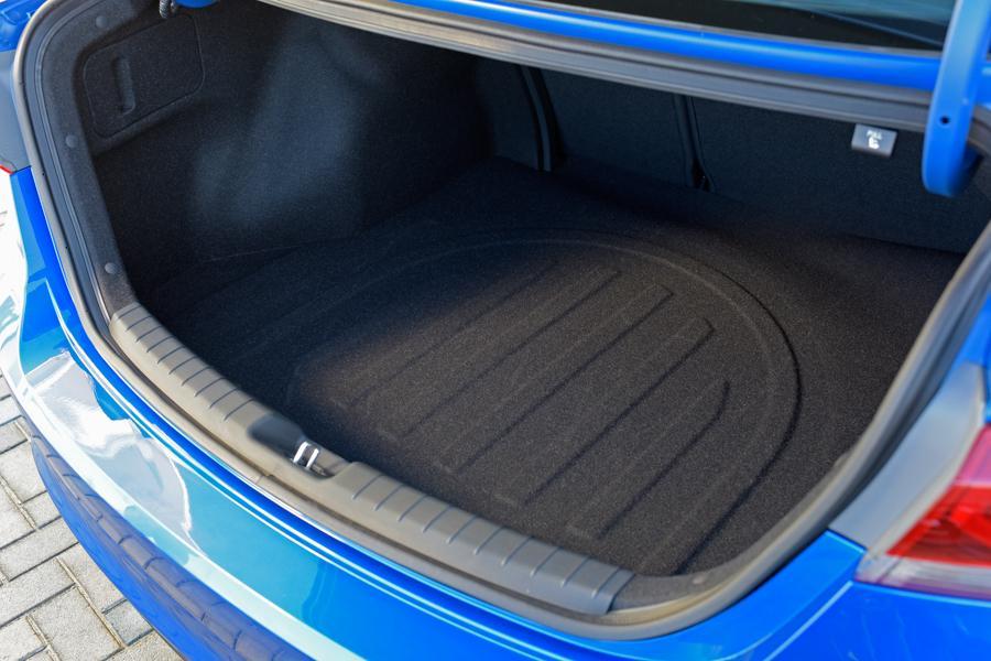2017 Hyundai Elantra Our Review Cars Com
