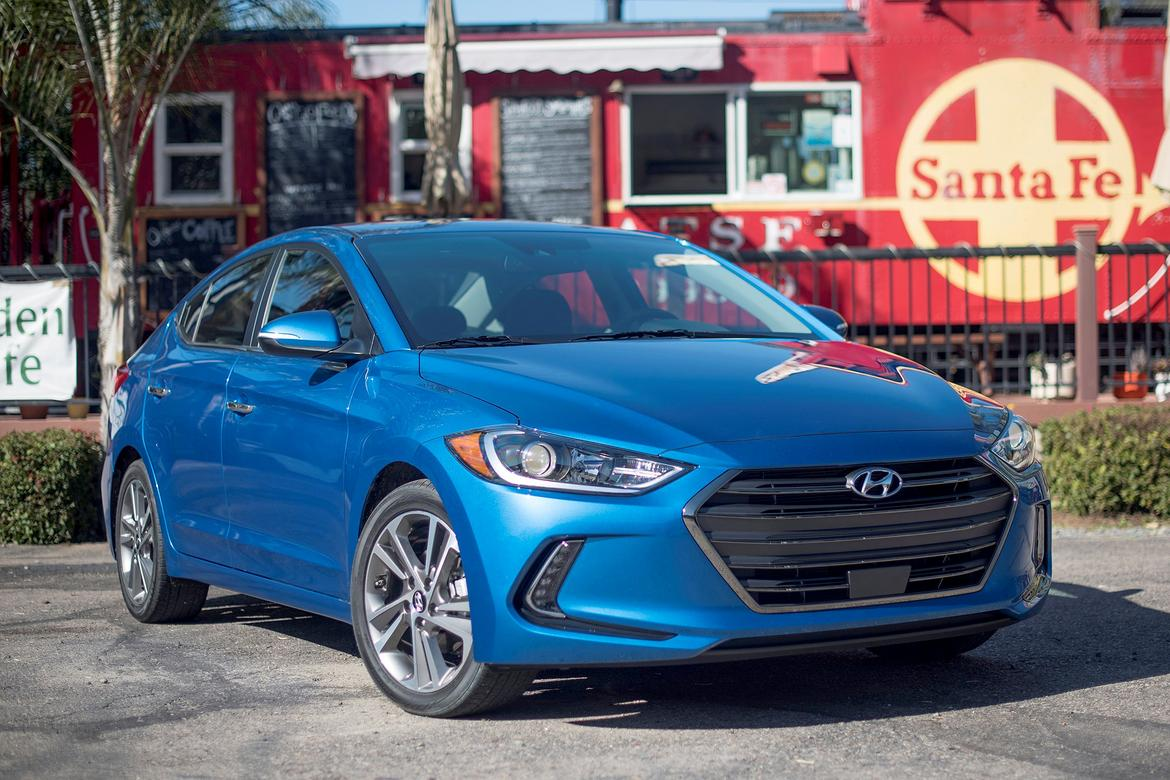 2018 Hyundai Elantra Earns Top IIHS Crash Rating | News | Cars.com