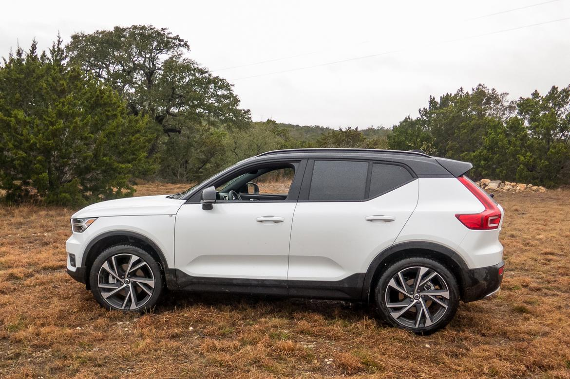 first drive 2019 volvo xc40 makes competitors look dated stuffy or both news. Black Bedroom Furniture Sets. Home Design Ideas