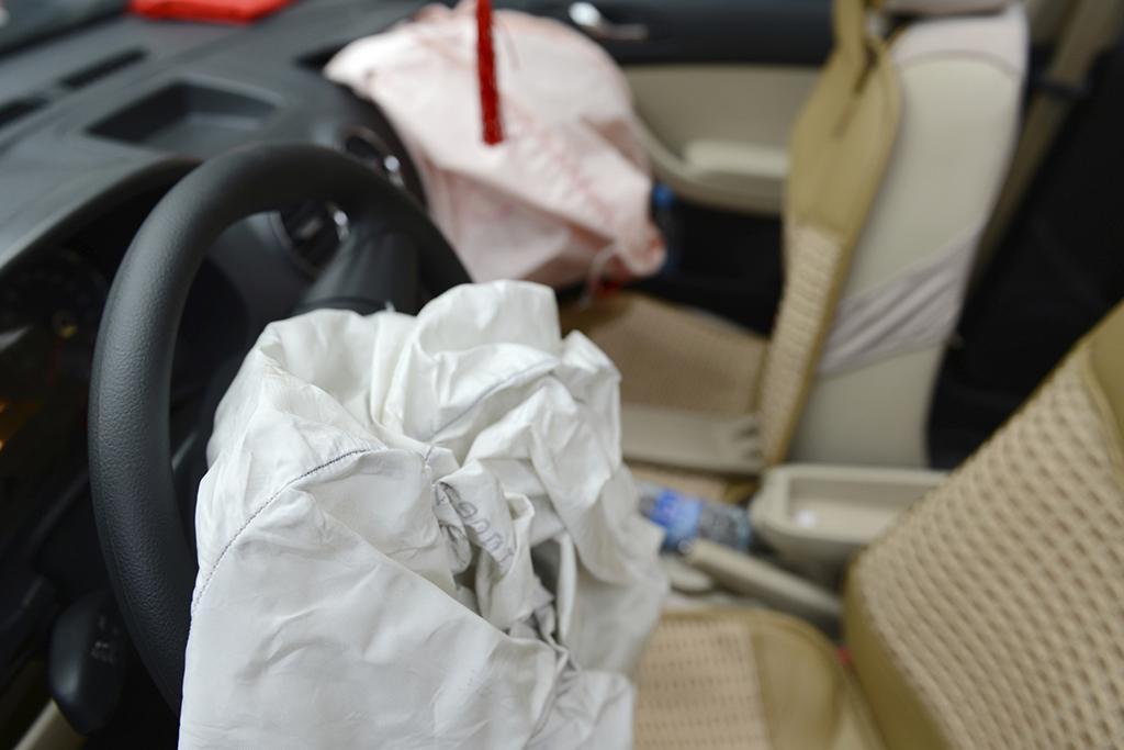 Airbag_iStock_hxdbzxy.jpg