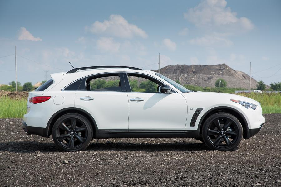 2015 infiniti qx70 our review. Black Bedroom Furniture Sets. Home Design Ideas
