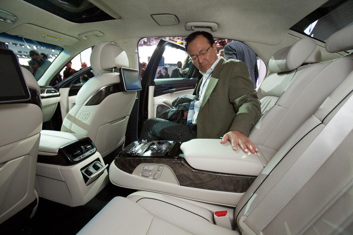 which new luxury sedan has the best backseat news. Black Bedroom Furniture Sets. Home Design Ideas