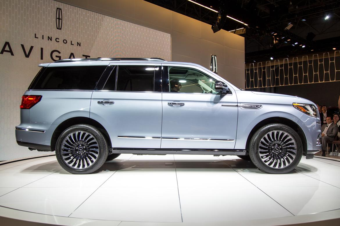 18lincoln Navigator As Ac 17 Jpg
