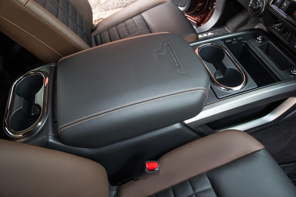 17_Nissan_Titan_OEM_console.jpg