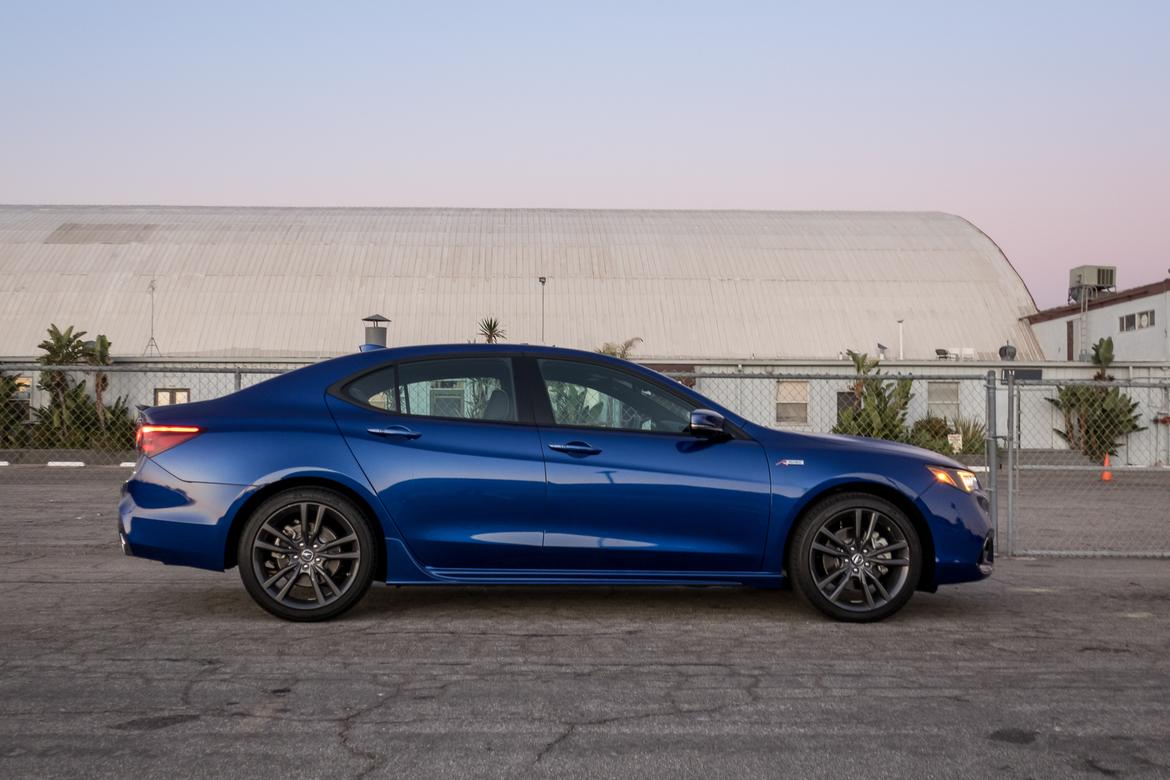 16-acura-tlx-a-spec-2018-blue-exterior-profile.jpg
