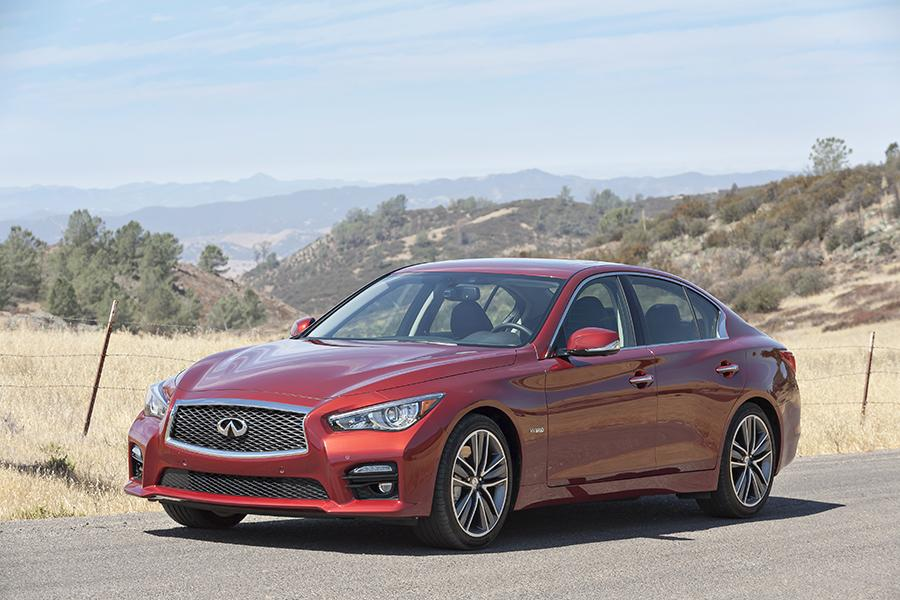 2014 infiniti q50 our review. Black Bedroom Furniture Sets. Home Design Ideas