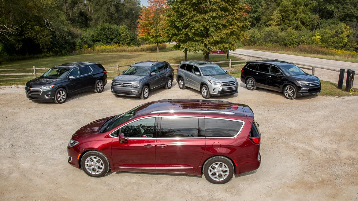 Does A 3 Row Suv Really Rival Minivan For Family Hauling News Cars