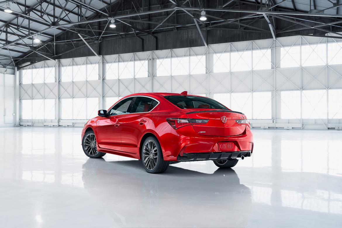 Acura ILX Sports Better Value With Big Price Drop News Carscom - Acura ilx upgrades