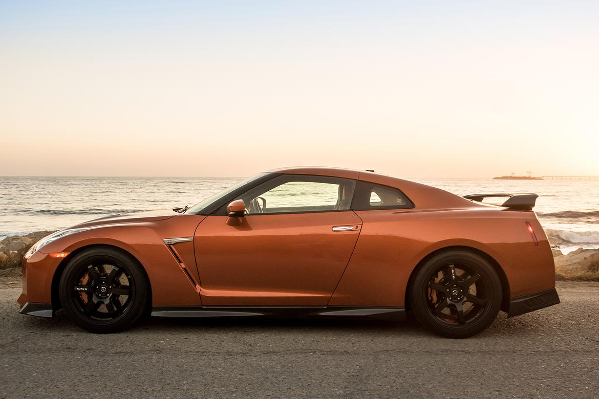 03-nissan-gt-r-2018-beach--dusk--exterior--orange--outdoors--pro