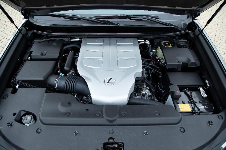 32-lexus-gx-460-2019-engine--exterior--grey.jpg