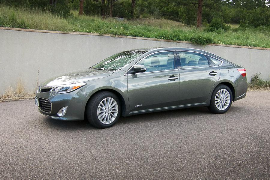 2015 toyota avalon hybrid our review. Black Bedroom Furniture Sets. Home Design Ideas