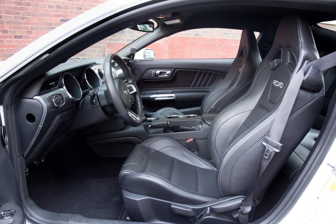 2015 ford mustang the pros and cons of optional recaro seats news. Black Bedroom Furniture Sets. Home Design Ideas