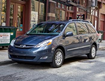 2009 toyota sienna our review. Black Bedroom Furniture Sets. Home Design Ideas