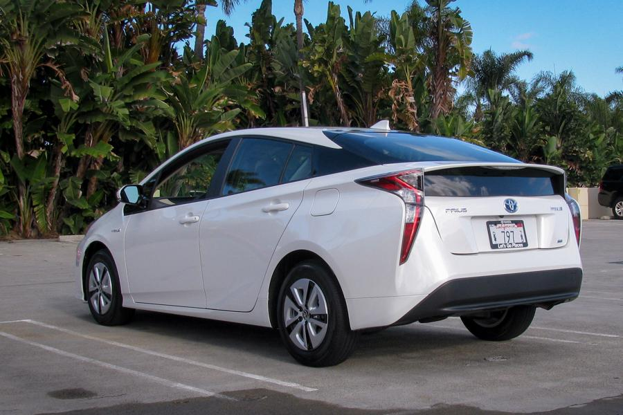 2016 toyota prius our review. Black Bedroom Furniture Sets. Home Design Ideas