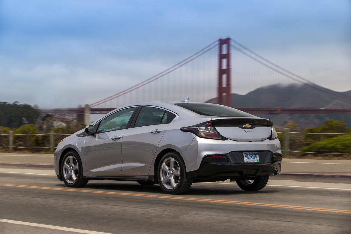 2019 Chevrolet Volt Doubles The Kilowatts Halves Charge Time News Cars