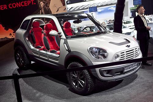 Mini Beachcomber Concept Up Close News Cars