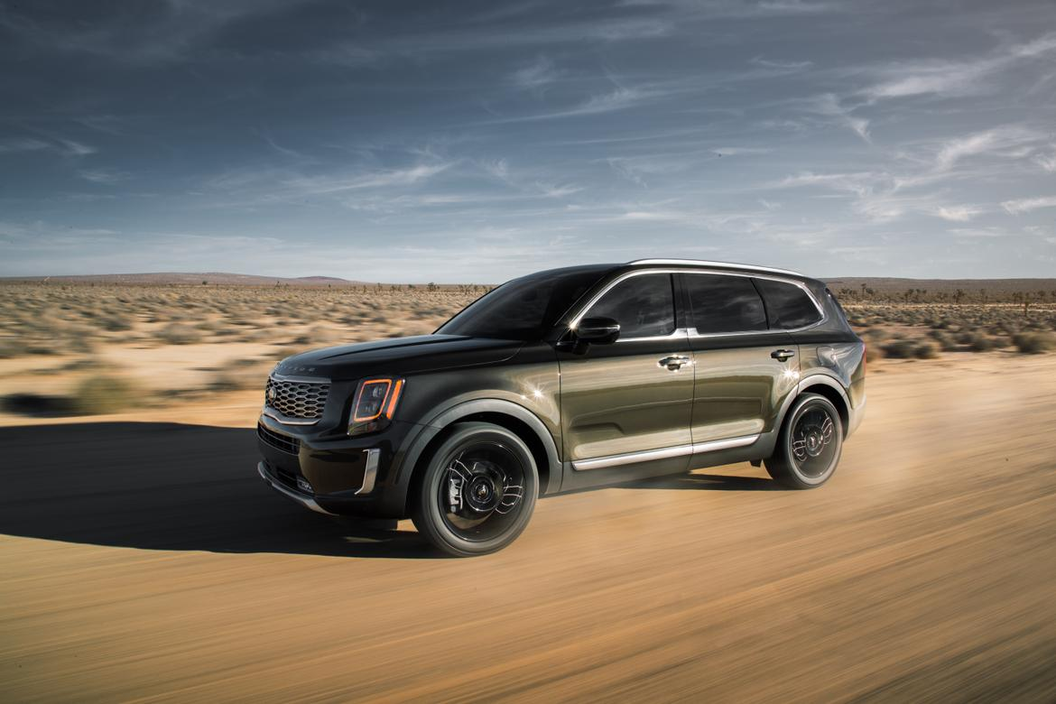 01-<a href=https://www.autopartmax.com/used-kia-engines>kia</a>-telluride-2020-angle--dynamic--exterior--front--green--of