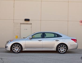 2011 Hyundai Equus Our Review Cars Com