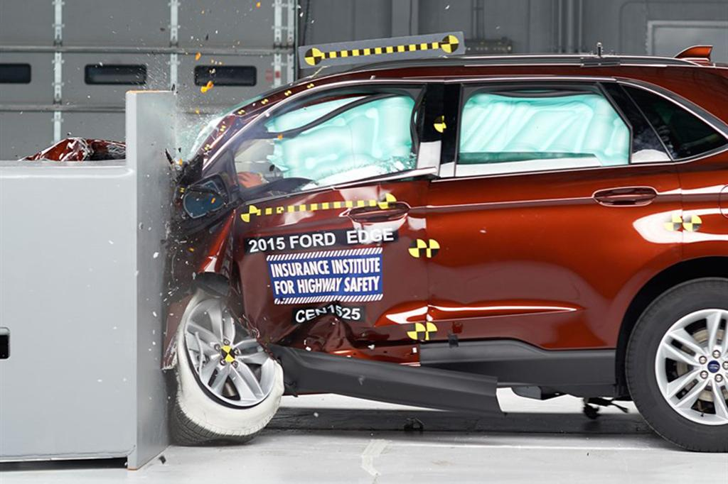 IIHS: 2015 Ford Edge is a Top Safety Pick | News | Cars.com