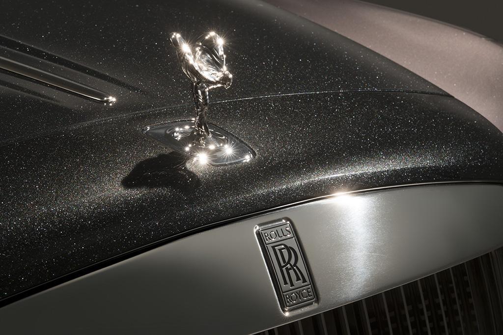 3-2-Rolls-Royce Ghost Elegance_1_oem.jpg