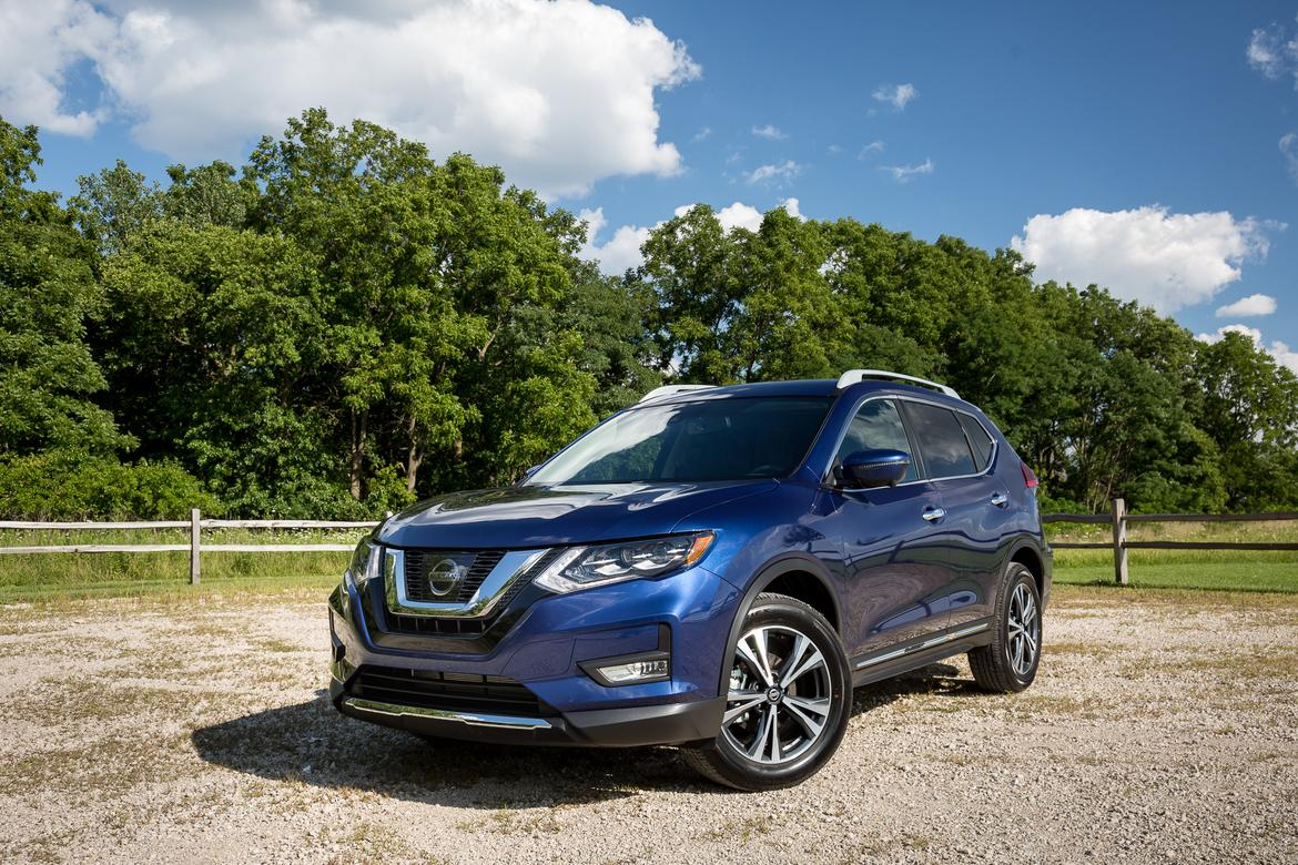 nissan-rogue-2017.5-06-angle, exterior, front.jpg