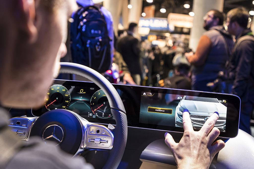 Mercedes Details New Infotainment System for Small Cars