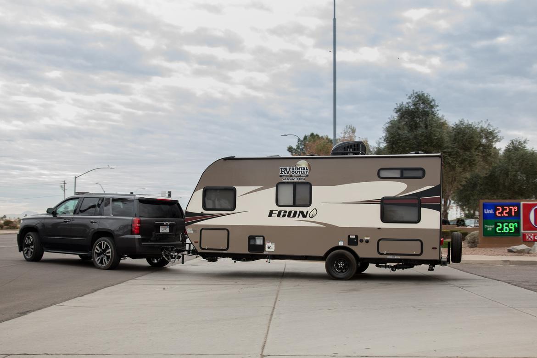 16-full-size-suv-challenge-chevrolet-tahoe-premier-rst-2018-blac