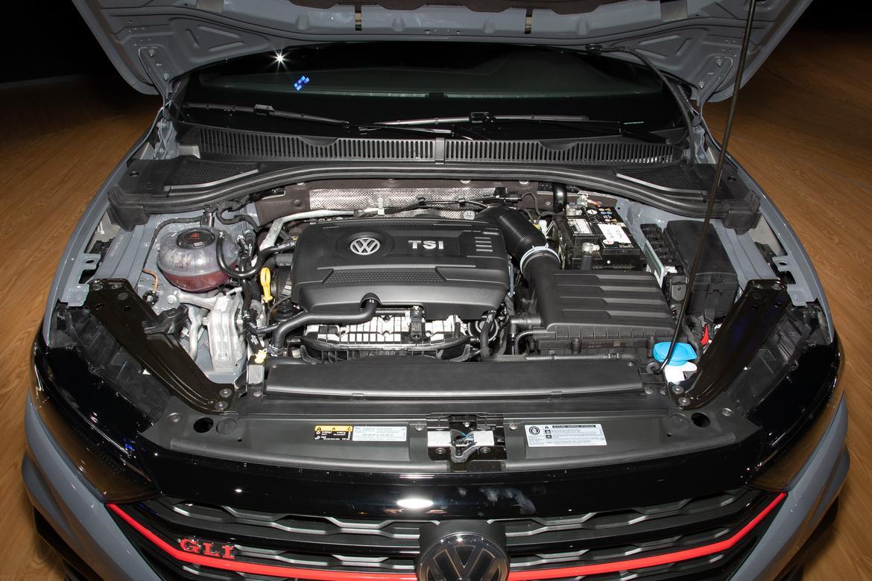08-<a href=https://www.sharperedgeengines.com/used-volkswagen-engines>volkswagen</a>-jetta-gli-2019-cl.jpg