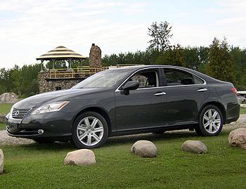 Lexus ES 350 - Our Review | Cars.com