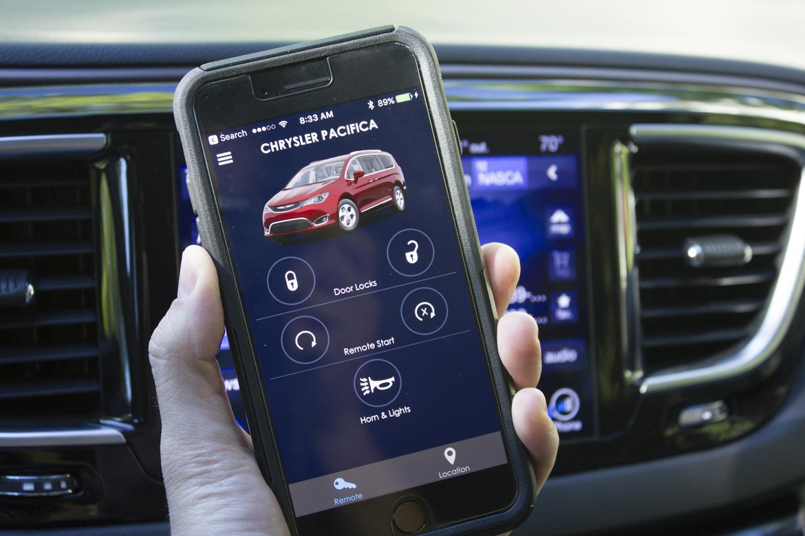 Uconnect Access App >> 5 Ways the Chrysler Pacifica's Uconnect Makes Life Easier | News | Cars.com