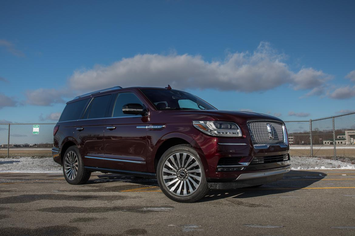 2018 lincoln navigator our review. Black Bedroom Furniture Sets. Home Design Ideas