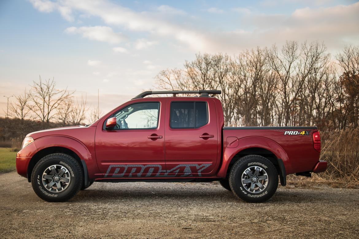 2017 nissan frontier our review. Black Bedroom Furniture Sets. Home Design Ideas