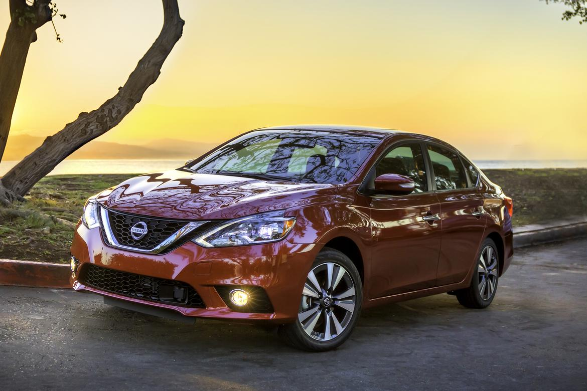 2016 nissan sentra first look news. Black Bedroom Furniture Sets. Home Design Ideas