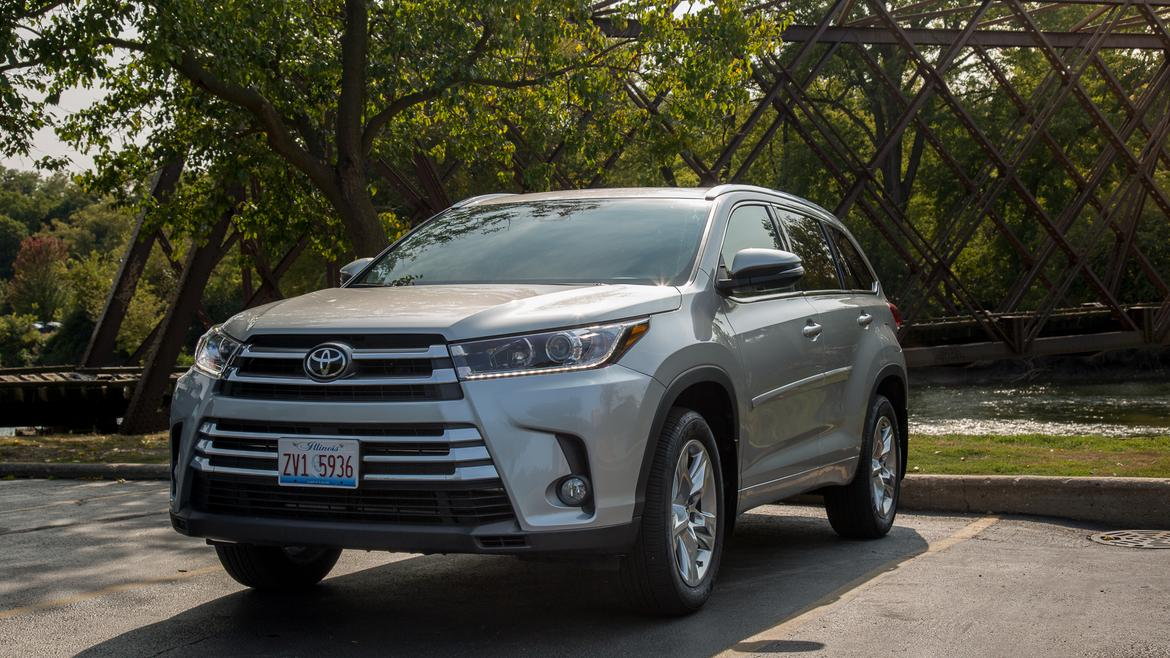 2017 toyota highlander our review. Black Bedroom Furniture Sets. Home Design Ideas