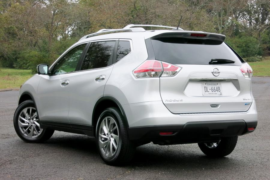 2015 nissan rogue our review. Black Bedroom Furniture Sets. Home Design Ideas
