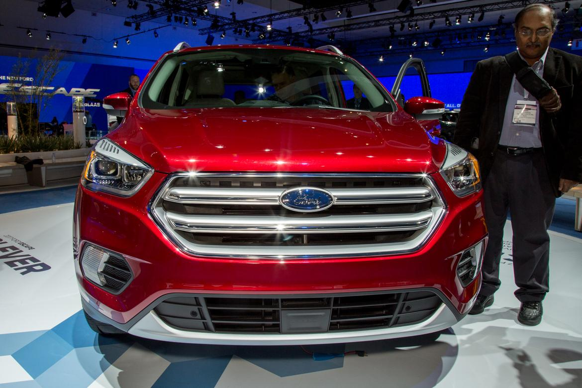 ford escape recall information autoblog 2017 2018 2019 ford price release date reviews. Black Bedroom Furniture Sets. Home Design Ideas