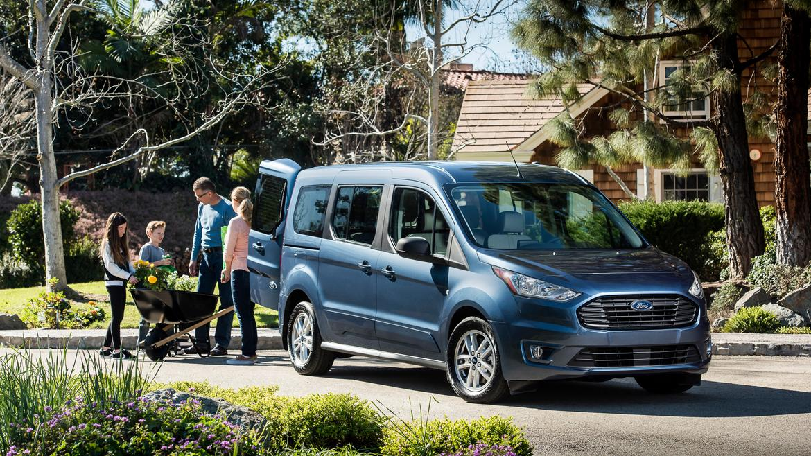 2019 ford transit connect wagon a minivan for surfing grandparents news. Black Bedroom Furniture Sets. Home Design Ideas