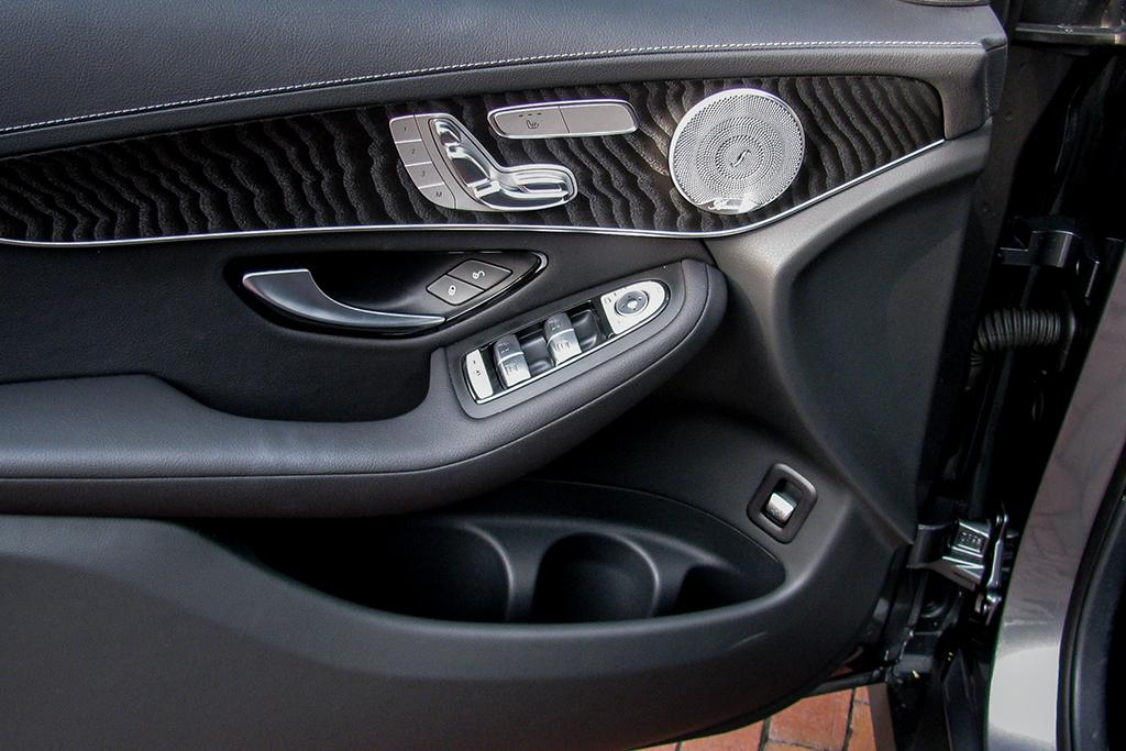 16Mercedes-Benz_GLC_WJ_05.jpg