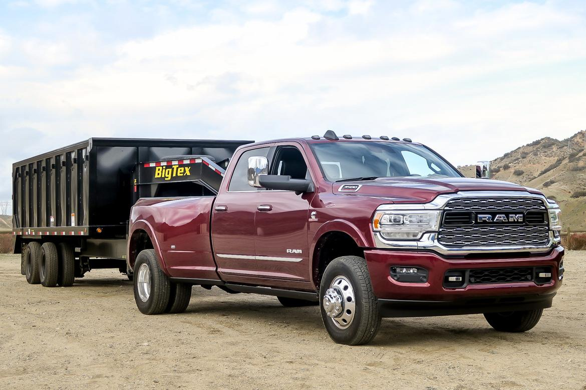22-ram-3500-2019-mw-exterior--red--towing (1).jpg