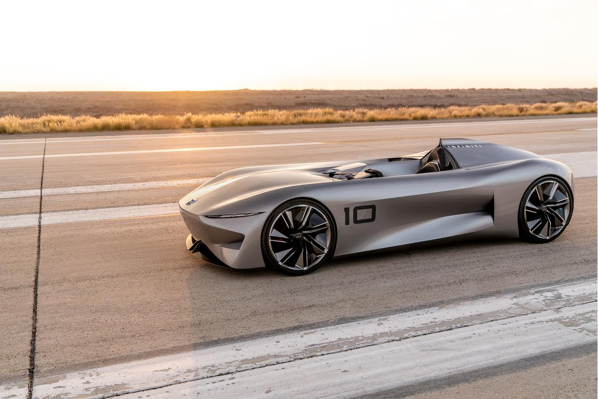 01-infiniti-prototype-10--angle--exterior--front--silver.jpg
