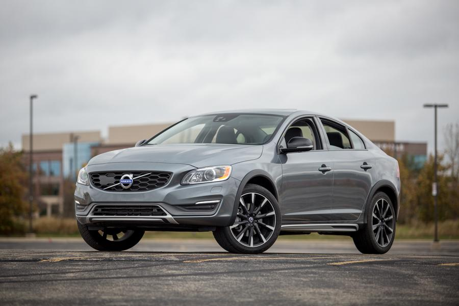 2017 Volvo S60 Cross Country: Our View