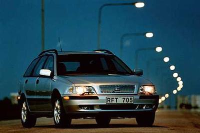 Used 2001 Volvo V40