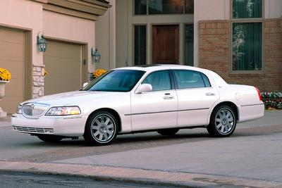 Used 2003 Lincoln Town Car Signature