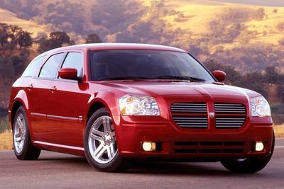 Used 2005 Dodge Magnum SE