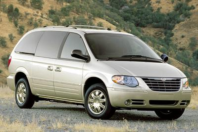 Used 2005 Chrysler Town & Country Base
