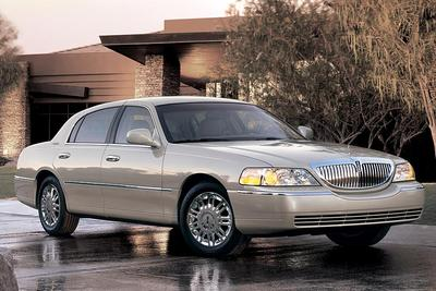 Used 2006 Lincoln Town Car Signature